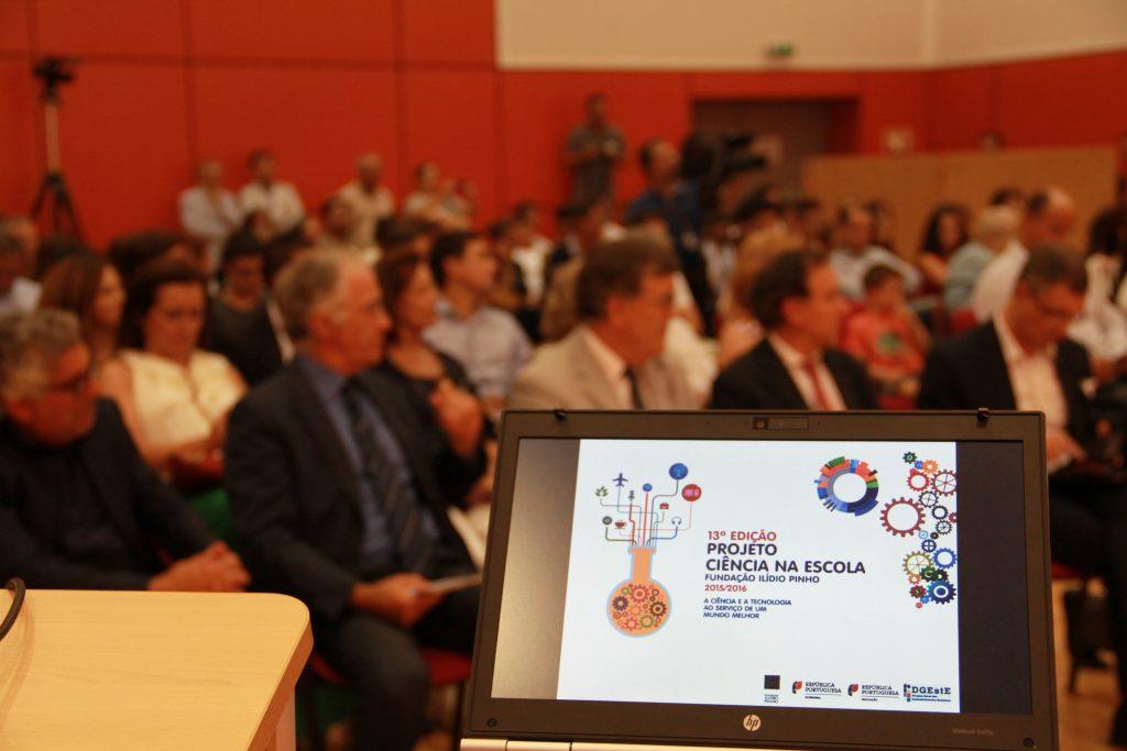 """Dia 1 – Mostra Nacional dos projetos do Prémio """"Ciência na Escola"""" – 13ª Edição"""
