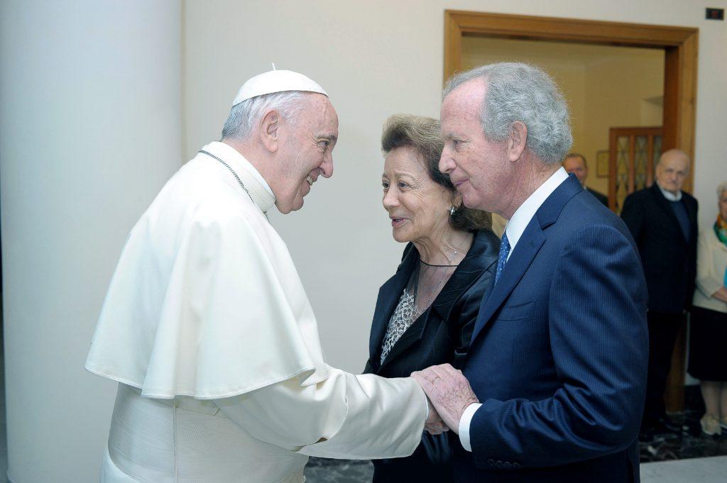 CLIP: Empresário Ilídio Pinho recebido pelo Papa Francisco em Roma