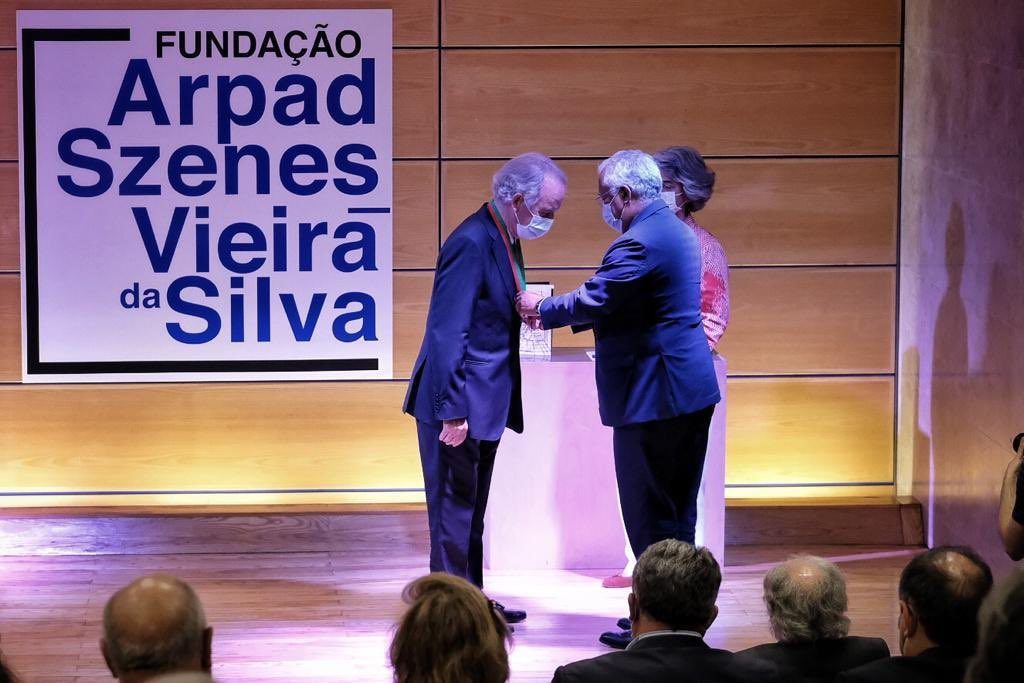 CLIP: Governo atribui medalha de Mérito Cultural a Ilídio Pinho